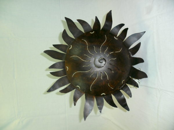 Wandlamp met model van de zon