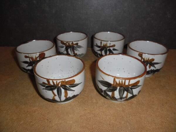 6 kommetjes van aardewerk hand geschilderd