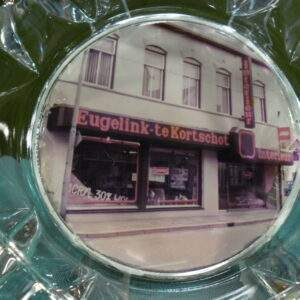 Glazen asbak Eugelink - te Kortschot