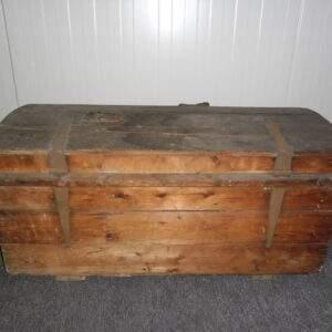 Oude houten reiskist