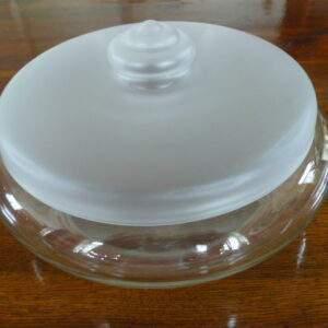 Glazen koekjesschaal met satiné deksel